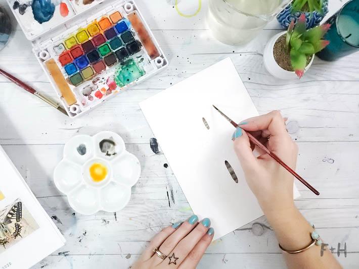 painting butterflies in watercolor tutorial